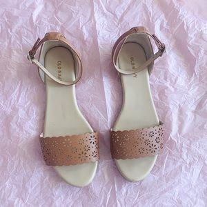 old navy scalloped sandals